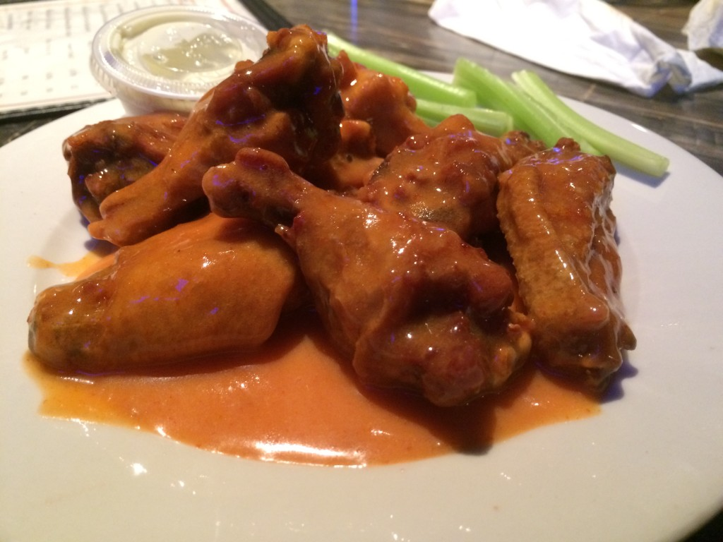 wing-off-24-chubbys-bridgeport-dew-drop-inn-derby-ct-colony-grill-hot-wings-pizza-20150125_215942371_iOS